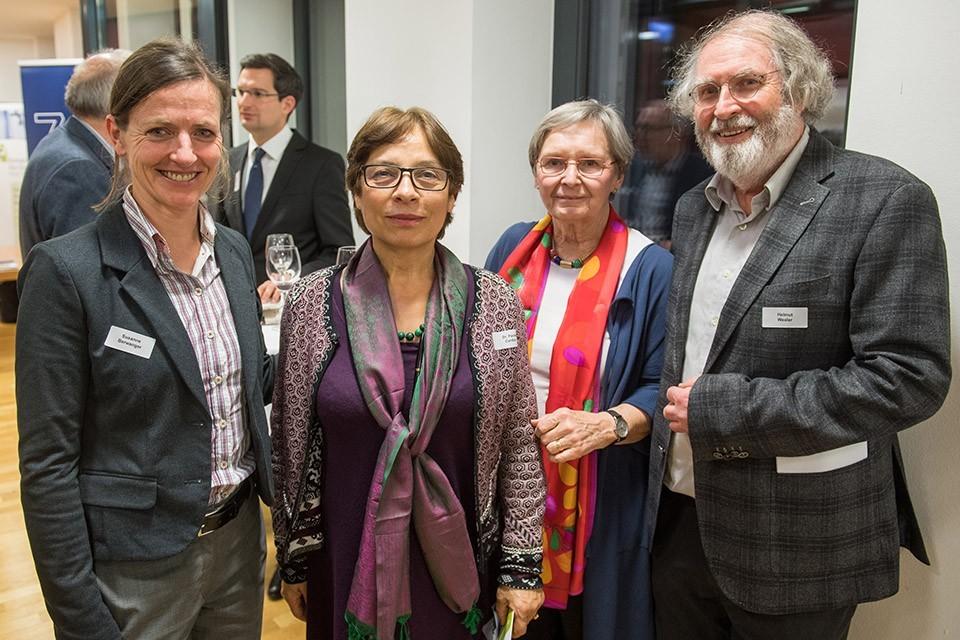 Susanne Berwanger, Vorstand Landesgruppe Bayern; Dr. Paola Cardia, Vorstand Landesgruppe Bayern. Ulrike Hess, Vorsitzende Landesgruppe Bayern, Dipl.-Psych. Helmut Wexler